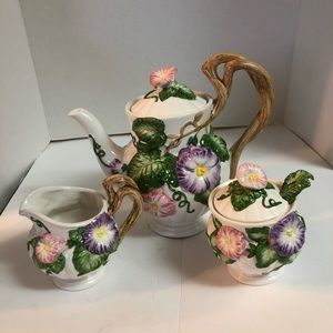 Fitz& Floyd 3 piece tea pot, creamer, sugar/spoon